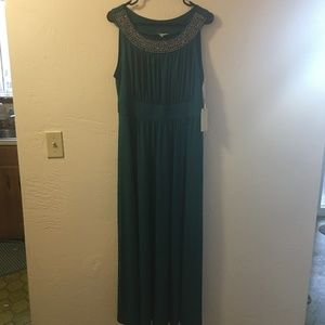 Dresses & Skirts - Floor Length Dress